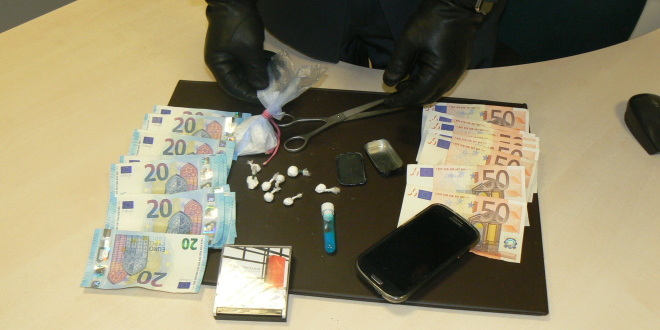 Sequestrati 40 grammi di cocaina a Macerata. In manette spacciatore 45enne