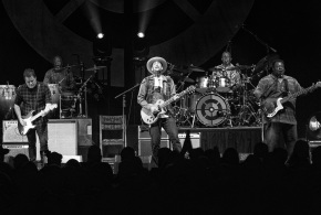 Ben Harper in concerto il 14 agosto allo Sferisterio di Macerata. Data unica in full band